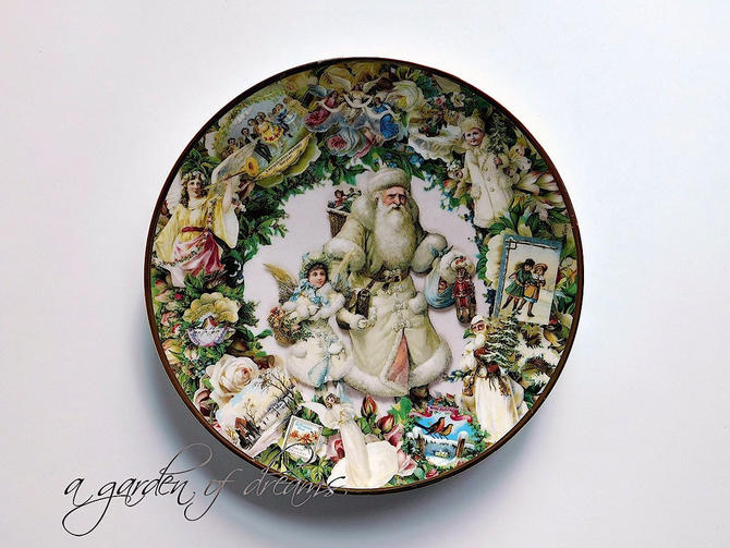 Christmas Santa Claus Grandfather Frost plate Victorian angels Saint Nicholas Father Victoriana cookie antique decorative collectible 1993 by agardenofdreams