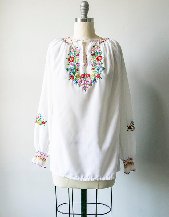 1970s Peasant Blouse Embroidered Floral Boho Top S by dejavintageboutique