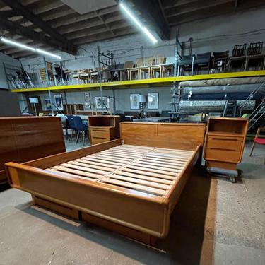 Teak Queen Bed with Pair Nightstands
