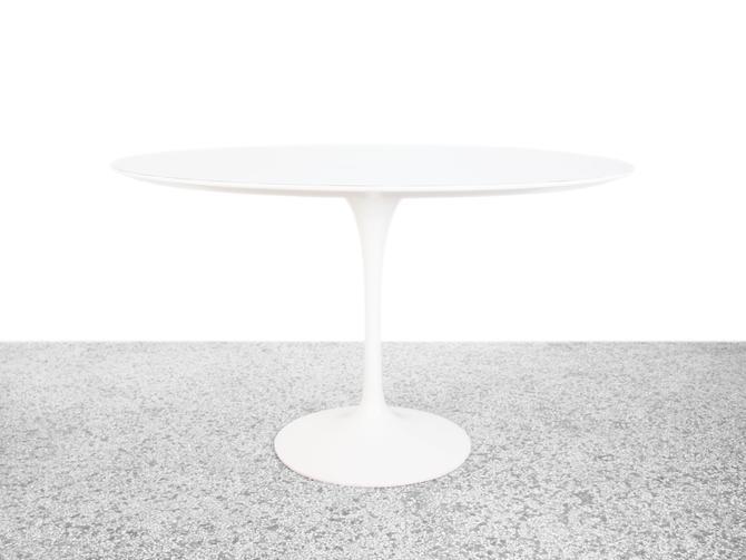 """Eero Saarinen 48"""" Tulip Dining table for Knoll International - White Laminate by JefferyStuart"""