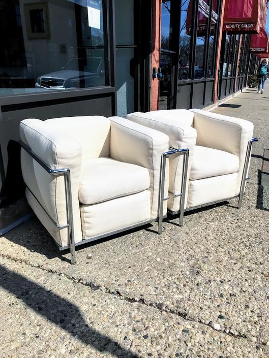 Le Corbusier LC2 armchair by Corbusier by Cassina (A Pair)