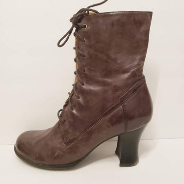 Vintage Brown Purple Lace Up Ankle Boots / Brown Eggplant Leather Booties Neo Edwardian / size 9  Like New by RareJuleVintage