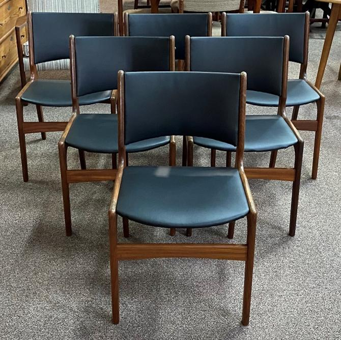 Item #DM99 Set of Six Mid Century Teak and Black Vinyl Dining Chairs c.1960s