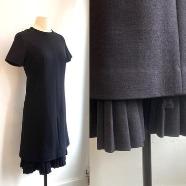 Vintage 1960s LESLIE FAY Double Knit Dress / Knit RUFFLE / Minimalist Mod by CharmVintageBoutique