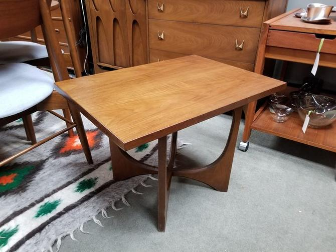 Mid-Century Modern side table from the Brasilia collection by Broyhill