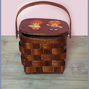 vtg Basket Purse Bag Raggedy Ann & Andy Caro-Nan 1970's Brown wooden vintage Box Handbag Top handle Picnic basket style Boho Hippie Disco by Boutique369