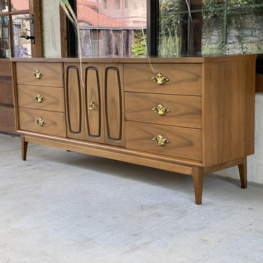Mid Century Modern Long Walnut Triple Dresser, Broyhill Emphasis Collection by PrimaForme