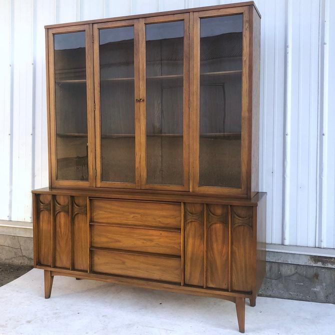 Mid-Century Modern Brasilia Style Sideboard w/Topper by secondhandstory