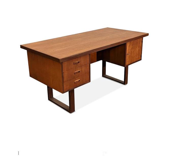 Vintage Danish Mid Century Teak Desk - Istedgade by LanobaDesign