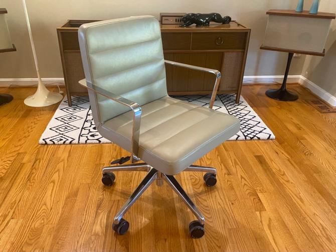 Duet Office Chair by Bernhardt Design Knoll by MSGEngineering