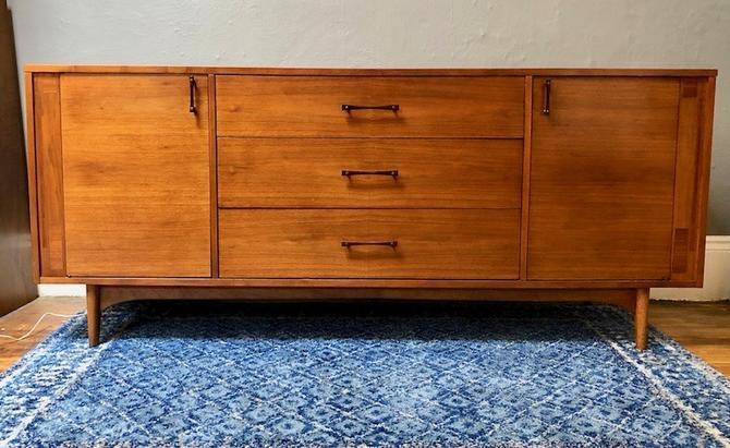 Mid Century 11 Drawer Dresser