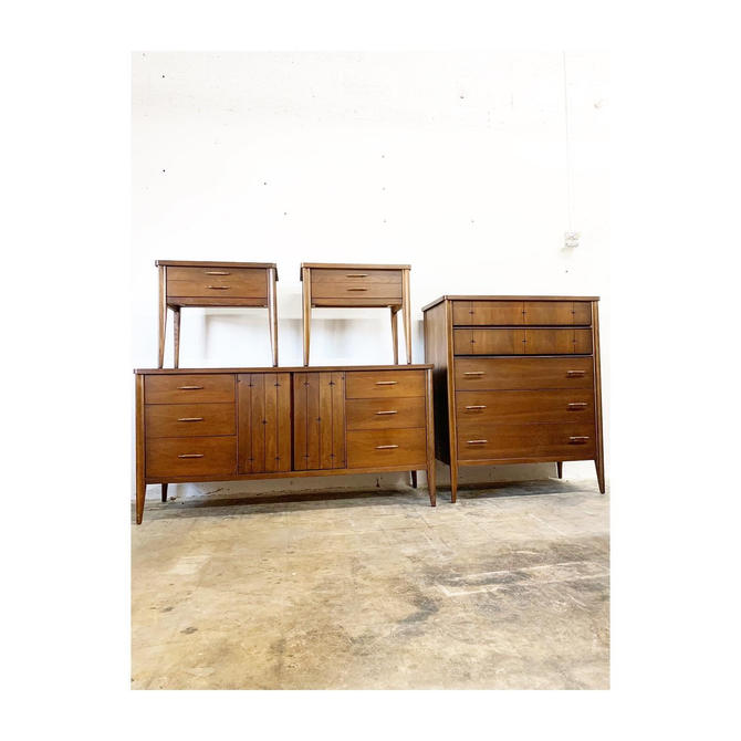 Mid Century Modern Bedroom Dresser Chest and Paid or Nightstands Broyhill Saga by FlipAtik