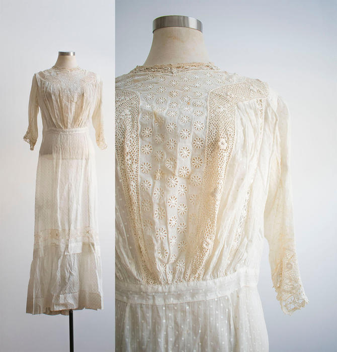 Edwardian Lawn Dress / Antique Lace Gown / Antique Lawn Dress / Antique Cotton Swiss Dot Lace Dress / Edwardian Era Lawn Gown Small by milkandice