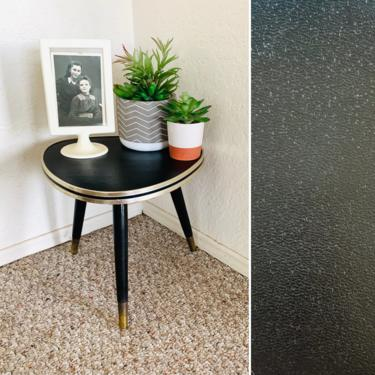 Tripod Vintage Plant Accent Table by dadacat