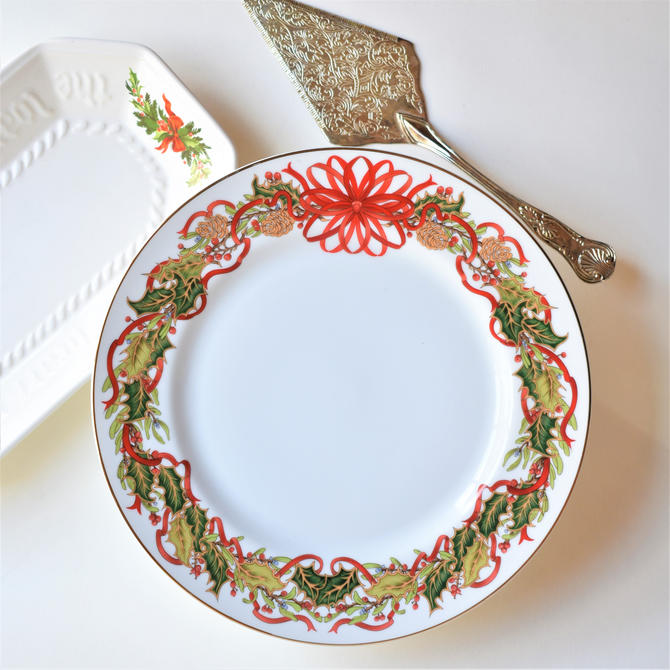 Christmas Cake Tier from Andrea by Sadek   1994 Christmas Garland pattern Red Ribbon Holly Pinecones Spruce Fir Graphic Bright Transferware by LostandFoundHandwrks