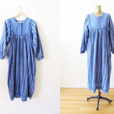 Vintage 70s Cotton Floral Dress S M - 1970s  Blue Purple Indian Midi Maxi Dress - Long Sleeve Boho Dress - Relaxed Baggy Hippie Dres by MILKTEETHS
