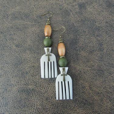 Carved bone comb earrings, afro pick earrings horn earrings, Afrocentric African earrings, bold statement earrings, wooden earrings, white 2 by Afrocasian