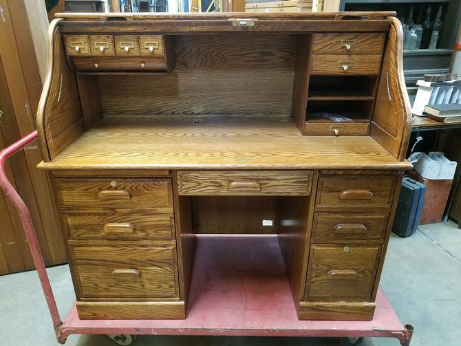 Winner's Only Oak Rolltop Desk