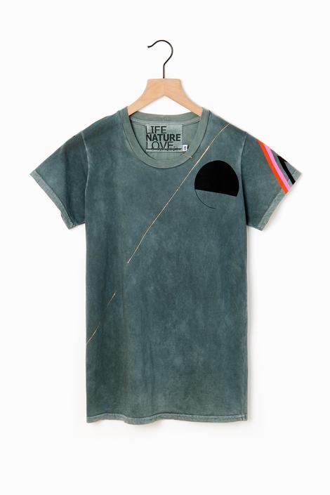 Sign Golden Strikes T-Shirt
