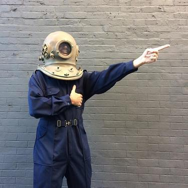 @electriccowbell as #Aqualungsin vtg theater scuba helmet and 1960s jumpsuit. All this can be yours !@meepsdc betta than eva  #meepsdc #vintagehalloween #lifeaquatic #laffs #dccostumes #jim