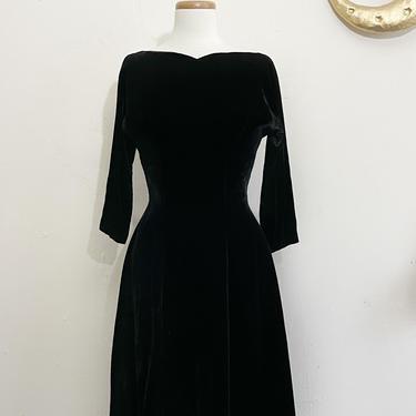 Vintage Black Velvet Dress | 50s Cocktail Dress | Small by blindcatvintage