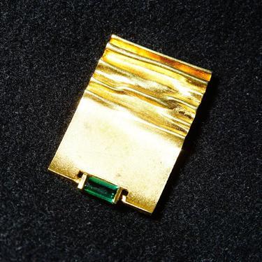 "Vintage Modernist 14K Yellow Gold & Green Emerald Brooch, Emerald-Cut Gemstone, Rectangular Gold Pin W/ Crinkle Texturing, 1 5/8"" L by shopGoodsVintage"