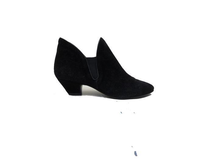 9df0d1a2bb809 Vintage 80s Black Suede Bootie Slip Ons Size 7.5M by ...