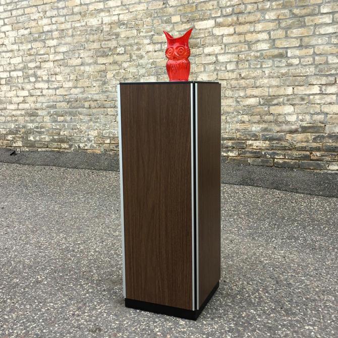 Design Line Lighted Pedestal By Bill Curry