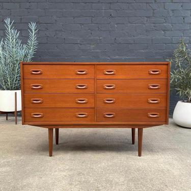 Danish Modern Teak 8-Drawer Dresser, c.1960's by VintageSupplyLA