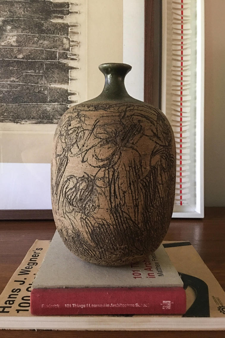 Signed Garner Vase Pottery Sgraphito Maxwell Cressey