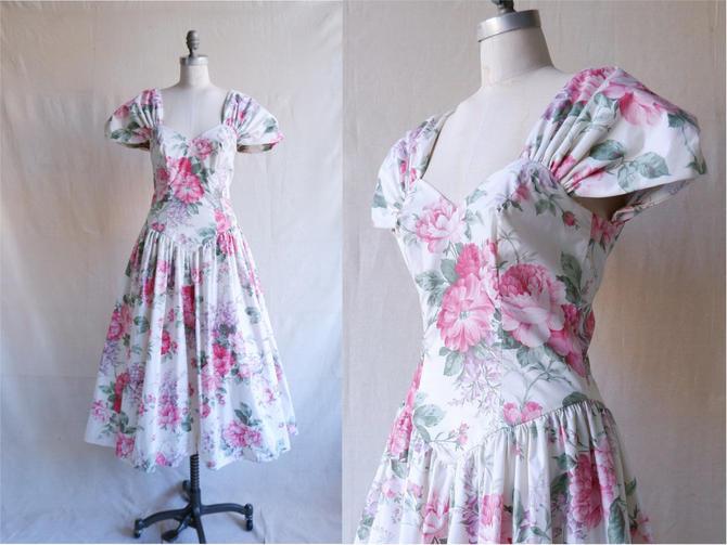 Vintage 80s Sweetheart Floral Dress/ 1980s Romantic White Floral Full Skirt/ Size Medium by bottleofbread
