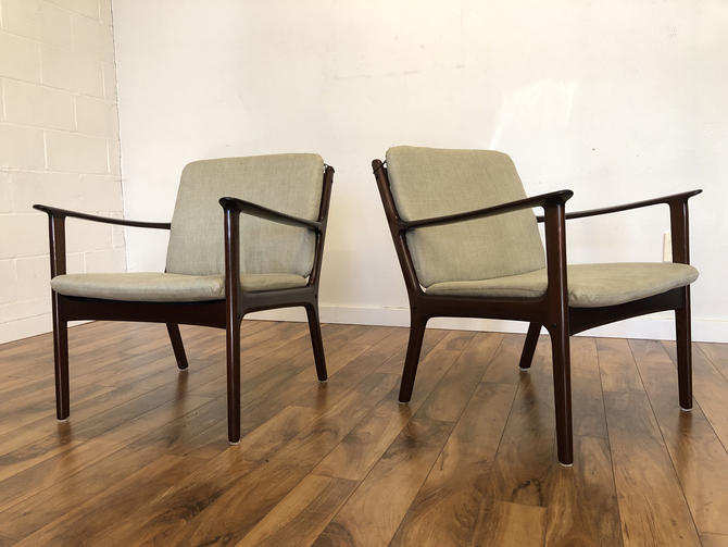 Vintage Mid Century Modern Lounge Chairs by Ole Wanscher for Poul Jeppesen - a Pair by Vintagefurnitureetc