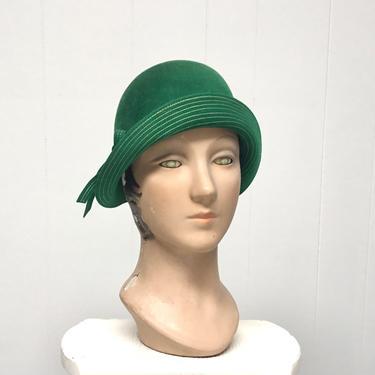 Vintage 1930s Green Velour Cloche, 1930 Wool Felt Deco Flapper Hat, Medium by RanchQueenVintage