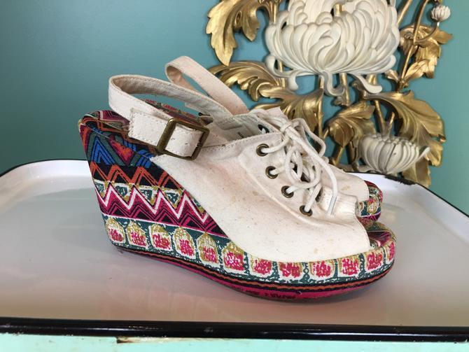 Vintage platform shoes, 1990s platforms, lace up shoes, open toe, wedge heel, size 8, festival style, vegan, fabric shoes, sling back, retro by BlackLabelVintageWA