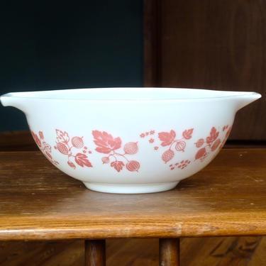 Vintage Pyrex Pink Gooseberry Cinderella Bowl - Vintage Pyrex Gooseberry - Pink Pyrex - Pyrex 443 - Pyrex 440 Series - Pyrex Mixing Bowl by FlyTimesVintage