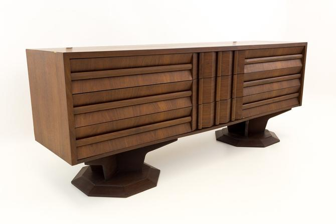 Paul Evans Style Mid Century Pedestal Base Brutalist 9 Drawer Dresser - no mirror by ModernHill