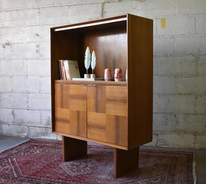 Mid Century MODERN BOOKCASE / Vinyl Storage / BOOKSHELF by CIRCA60