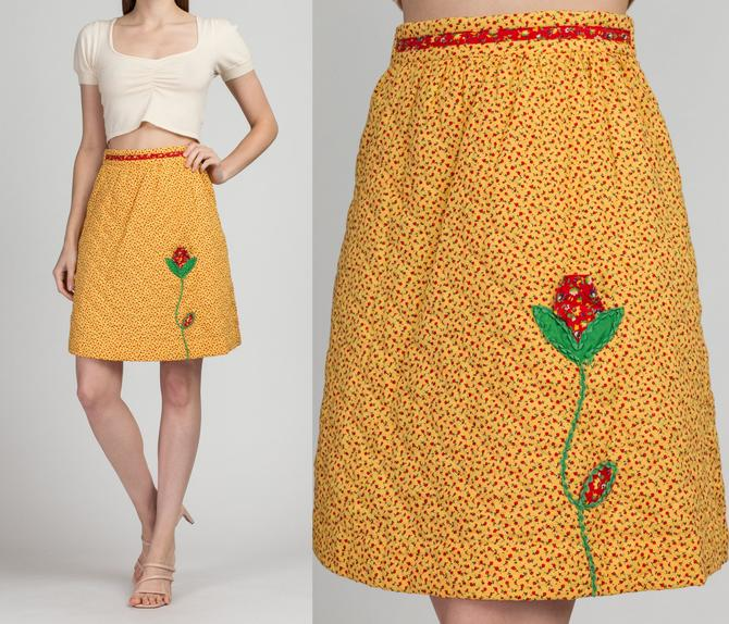 70s Quilted Floral Skirt - Extra Small | Vintage A Line Boho Yellow Flower Applique Mini Skirt by FlyingAppleVintage