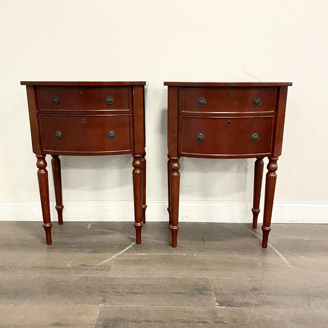 CUSTOMIZABLE: Set of 2 - Traditional Nightstands by VintageRefinedDecor