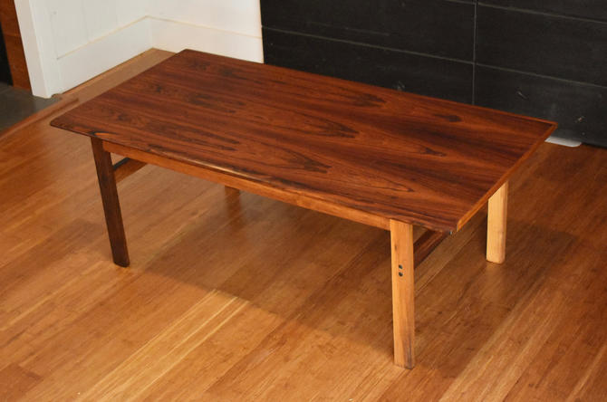 Newly-restored Danish rosewood coffee table by Illum Wikkelso (Capella) by MidCenturyClever