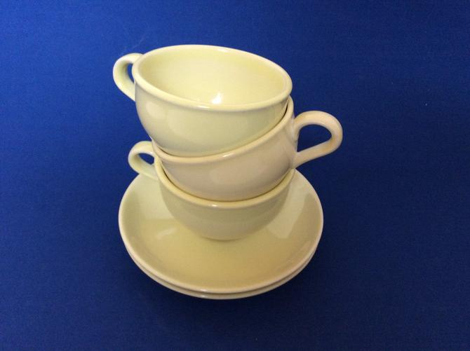 Russell White Iroquois Tea Cups and Saucers in Avocado Yellow Iriquois Casual by nauhaus