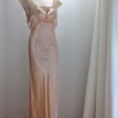 1940'S Rayon Satin Bias-Cut Negligee in Soft Peach / Lace Details / Satin Cord Tie Back / Size Medium to Large by GabrielasVintage
