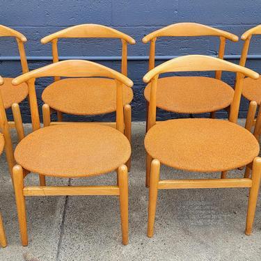Hans J. Wegner Dining Chairs - Set 8 by JanakosAndCompany