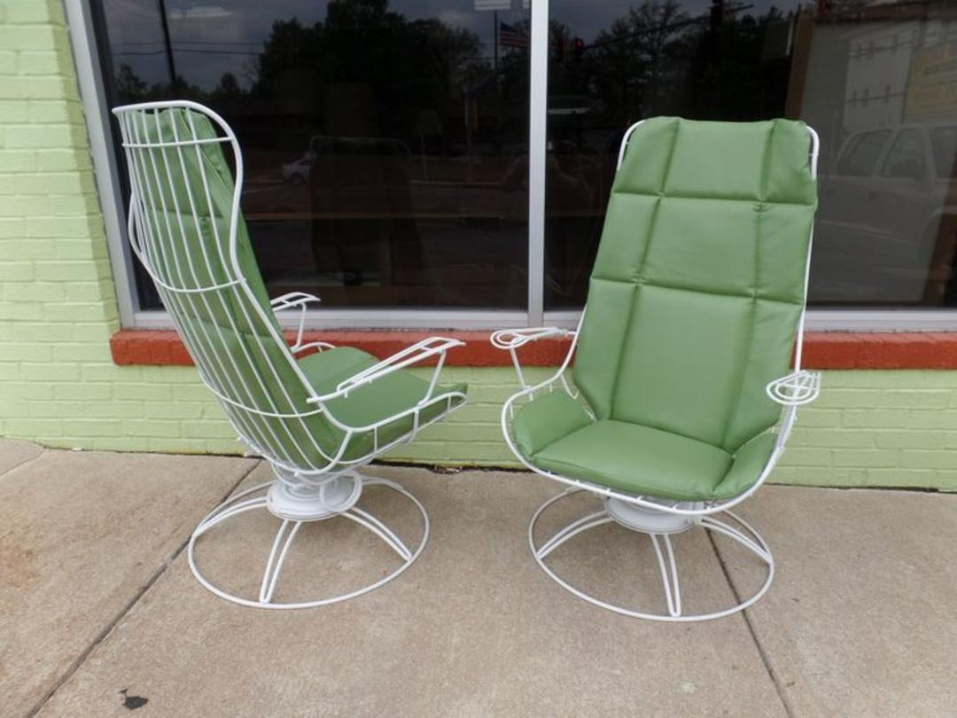 Pair of mid century modern patio loungers by homecrest for Homecrest patio furniture