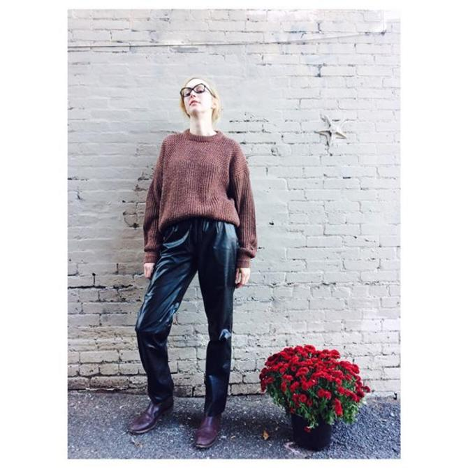 DO NOT keep it mum we have lots of 1960s-80s LEATHER and 1950s eyeglass frames in stock pleated leather hi waist pants + 80s sweater +50s framesworn by Betsy#meepsdc #vintagesleather #1950s #leatherpants #dmv #vintagedc #dcshopping #betsy