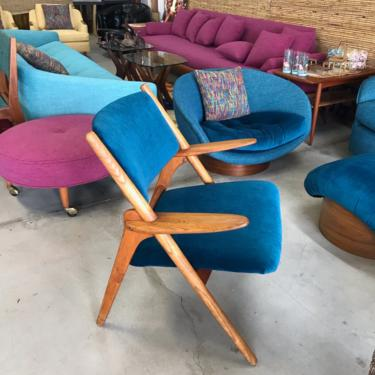 Stunning Mid Century Modern Lounge Chair Surfboard Arms New Upholstery by ModernFlamingo