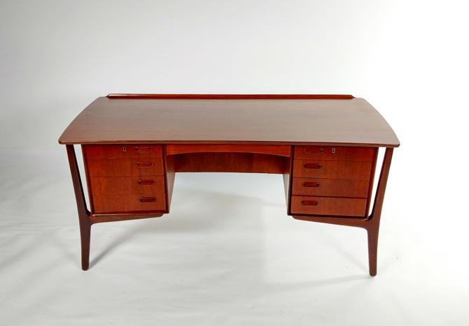 Sven Madsen Desk Mo.120 by ModernMixPlus