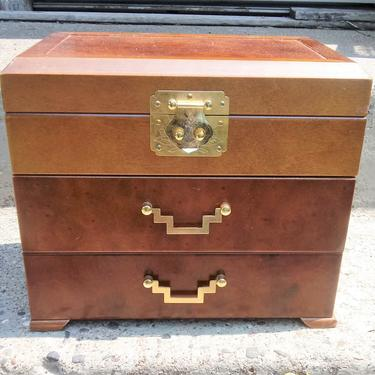 VINTAGE Oriental Jewelry Box// Pagoda Style/ Wood and Brass Jewelry Box// Gift for Her// Gift for Him by 3GirlsAntiques