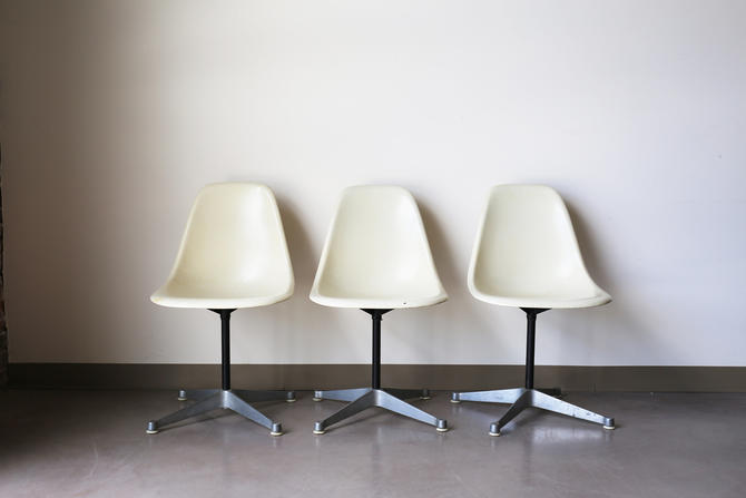set of 3 herman miller by eames white fiberglass shell chairs on