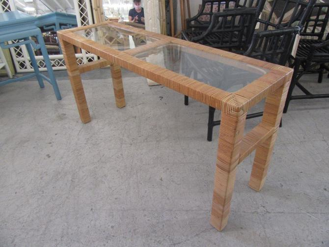 Island Style Wrapped Console